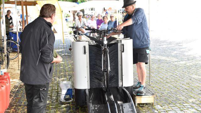cycleWASH Fahrradwaschanlage am Rankler Wochenmarkt