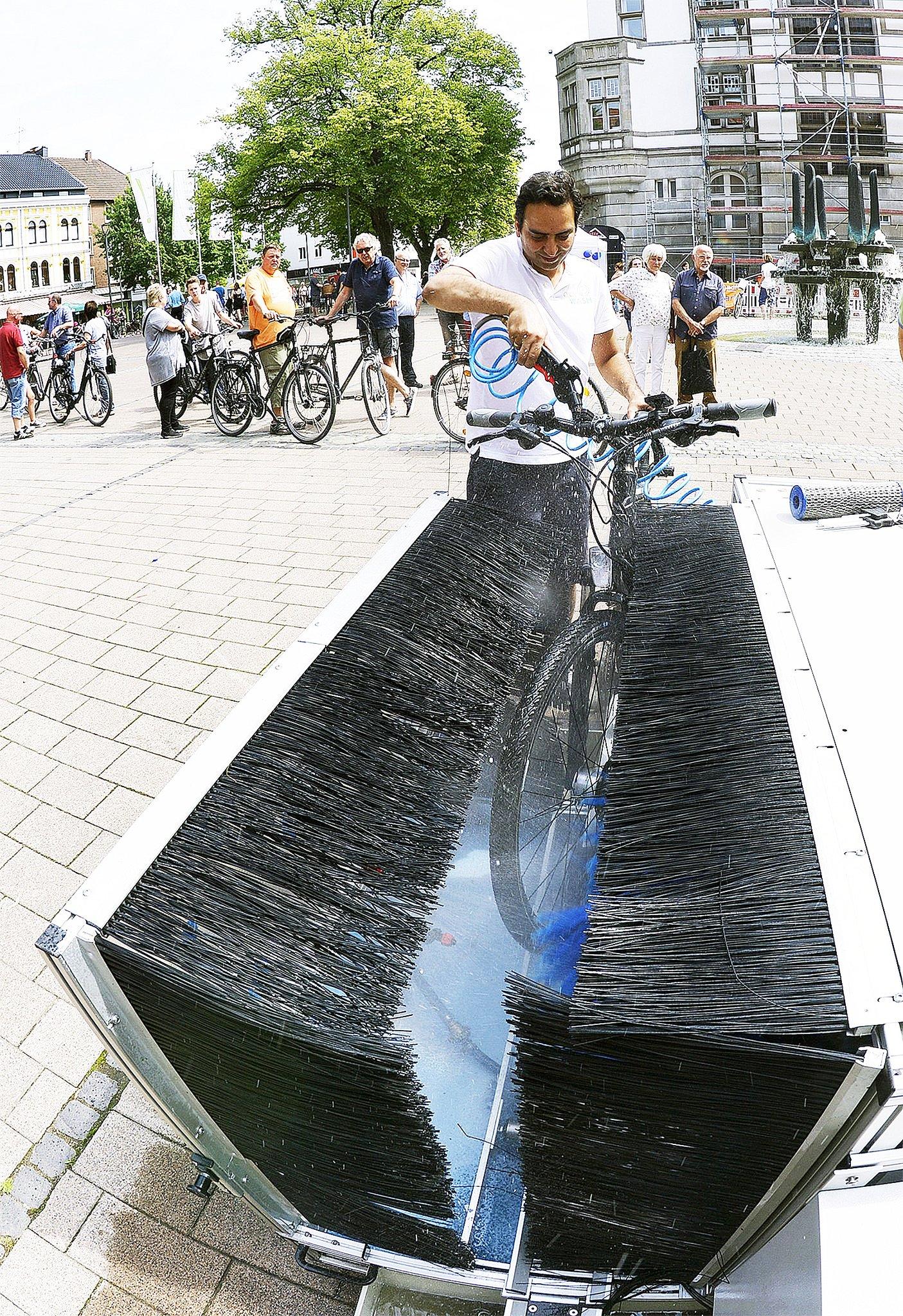 Fahrräder waschen zum Nulltarif