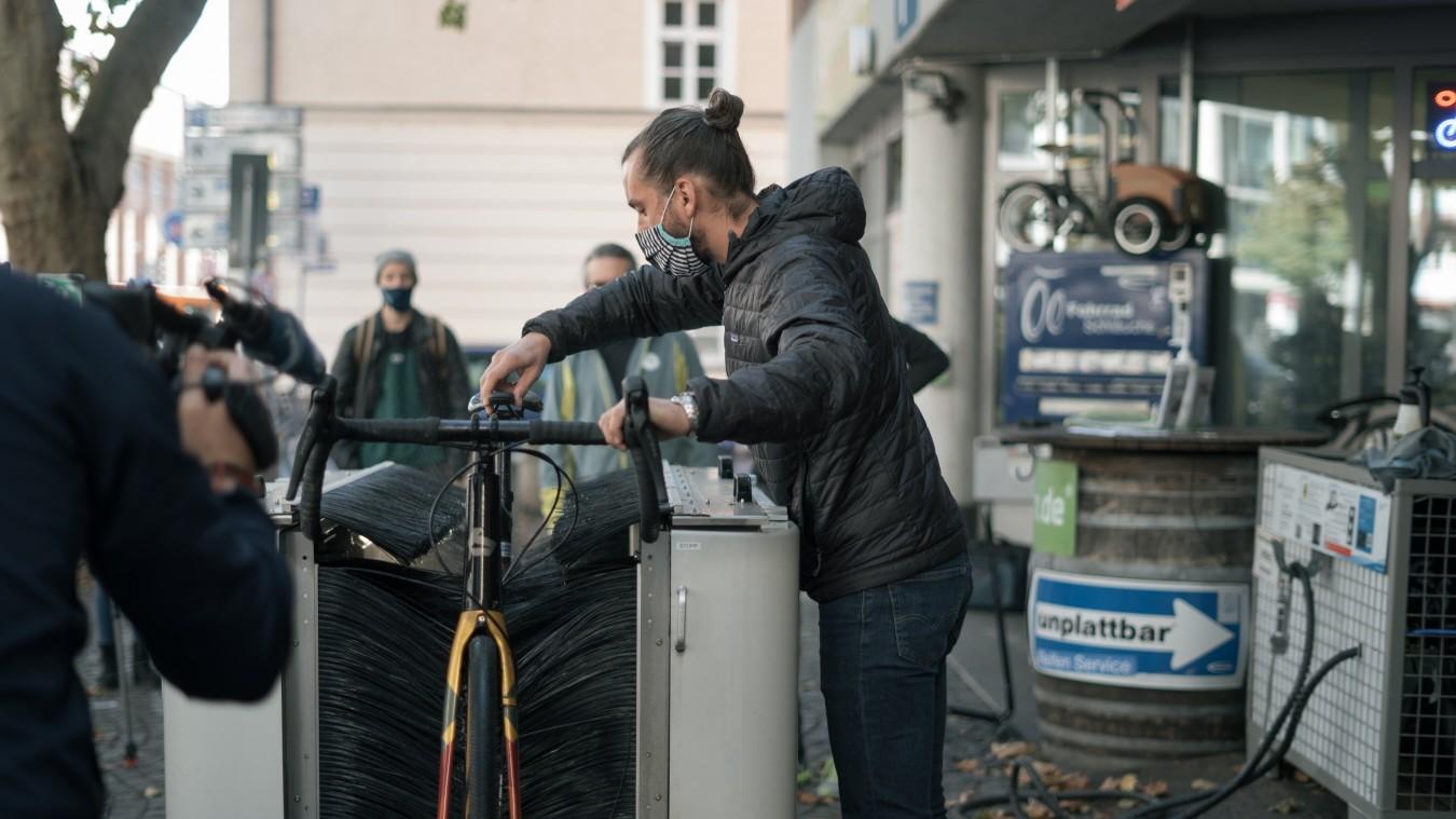 cycleWASH: Rund um die Uhr saubere Fahrräder